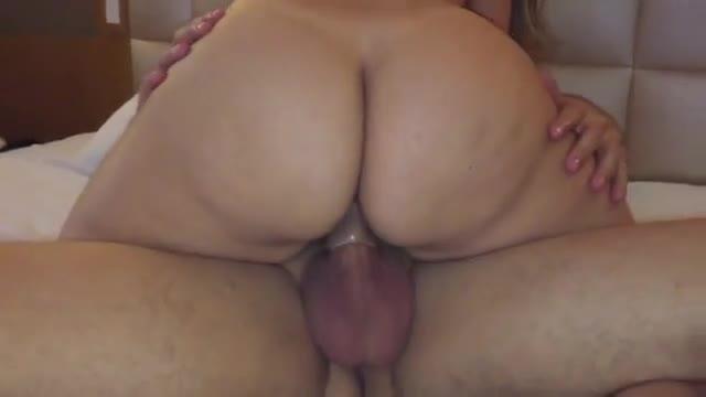 Esposa rabuda metendo na frente do corno filmando