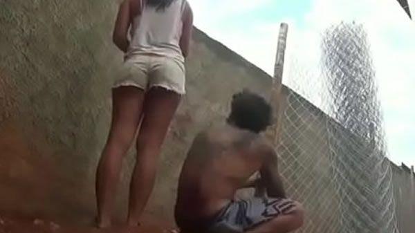 Fodendo a namorada tesuda no quintal